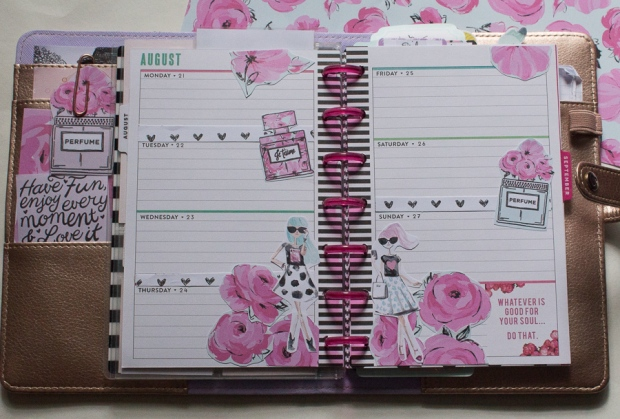 Mini Happy Planner Weekly Spread feat. The Pink Passport | JM Creates