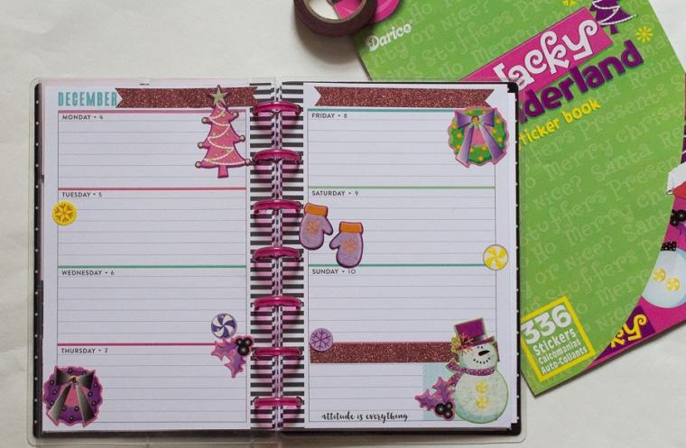 Fun Mini Happy Planner Christmas Spread | JM Creates Blog